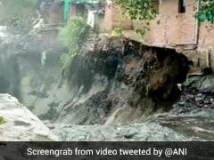 दिल्ली में पहली बार दिखा बारिश का इतना कहर, Video में देखें कैसे बह गए मकान