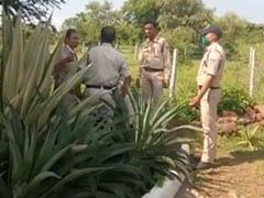 कोरोना के खिलाफ 'जंग' में यह IPS निभा रहा 'डबल रोल', कहा-मैं पुलिसकर्मी हूं और डॉक्टर भी'