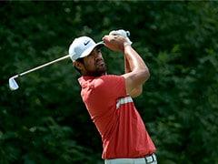 Tony Finau, Ryan Palmer Share Memorial Lead As Tiger Woods Squeaks Into Weekend