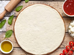 Running Out Of Pizza Base? Here's An Easy Recipe To Make It By Yourself!
