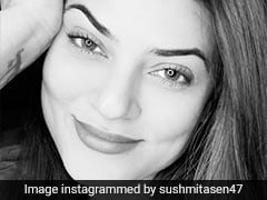 Sushmita Sen's Latest Selfie Gives Us A Glimpse Of Her 'Knowing Smile'