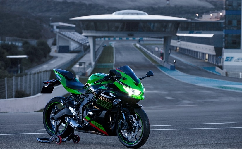The new Kawasaki Ninja ZX-25R gets a 249 cc in-line four cylinder engine