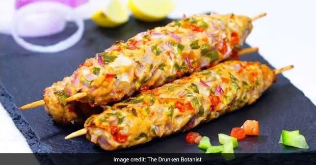 Indian Cooking Tips: Make Chicken Gilafi Kebabs In Half An Hour At Home With This Simple Recipe