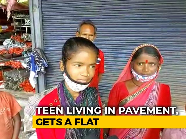 Video : Madhya Pradesh Teen, Living On Pavement, Gets Flat For Class 10 Result