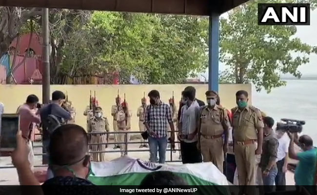 Daughter Lights Funeral Pyre Of Officer Killed In Uttar Pradesh Encounter