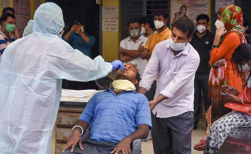 Coronavirus: दिल्ली में कोरोना पर काबू, रोजाना मामलों में अब 12वें नंबर पर राजधानी
