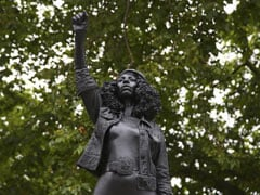 Toppled Slave Trader's Statue Replaced By Black Protester In England
