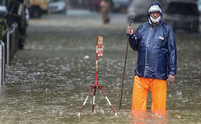 Heavy Rain Lashes Mumbai. All-India Weather Updates And Images