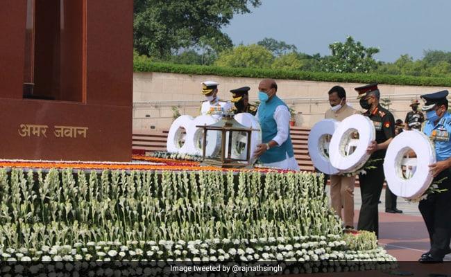 Kargil War Diwas: Defence Minister Rajnath Singh's Tribute To War Heroes