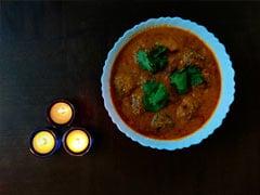 Kacha Kolar Kofta Recipe: How To Make Bengali Style Raw Banana And Paneer Kofta