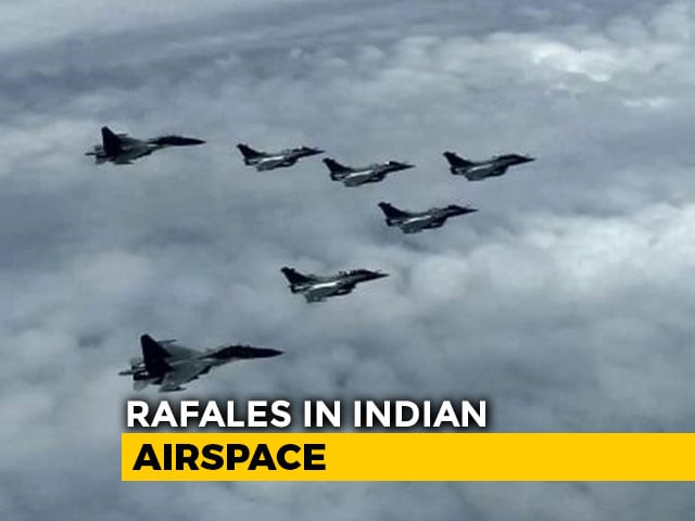 Video : 5 Rafales, Escorted By Sukhois, Enter Indian Air Space, To Land Shortly