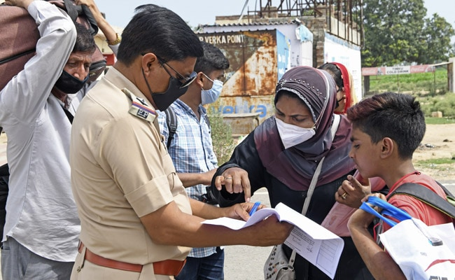 In UP District, Violators To Write Mask Lagaana Hai 500 Times As Fine