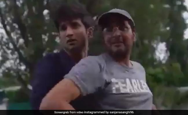सुशांत सिंह राजपूत ने झारखंड की सड़कों पर शाहरुख खान के अंदाज में किया था डांस, देखें वायरल Video
