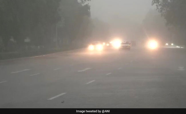 Dark Skies, Heavy Rain In Delhi, Traffic Alert After Flooding In Areas
