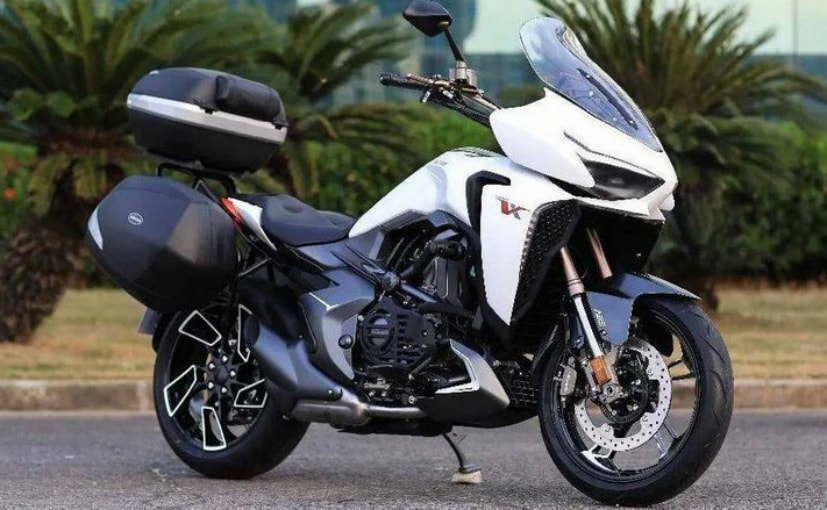 The Zontes VX 310 is a touring bike from the Chinese brand built around a 312 cc engine