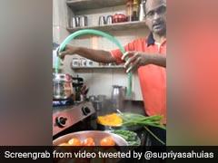 सब्जी से कीटाणु निकालने के लिए शख्स ने लगाया गजब का जुगाड़, IAS अफसर बोलीं- 'सचमुच अतुल्य भारत' - देखें Video