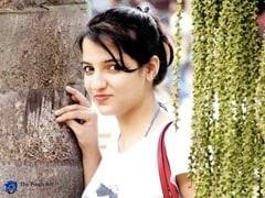 दिल्ली के वेलकम इलाके में टीवी एंकर ने फांसी लगाकर की खुदकुशी