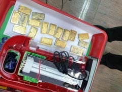UAE-सऊदी से चार्टर प्लेन में आए 14 लोगों के पास मिला 15 करोड़ रुपये का सोना, इमरजेंसी लाइट में लाए थे भरकर