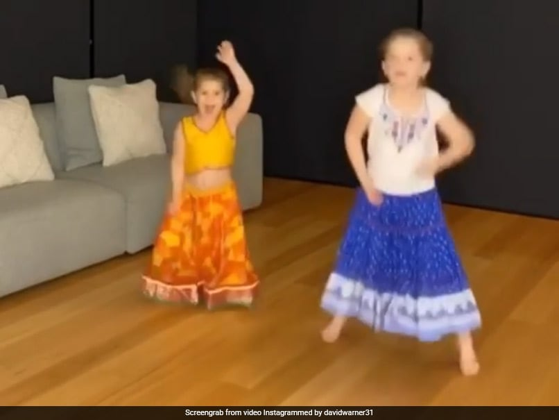David Warner's Daughters Dance To Akshay Kumar's Hit Song. Watch | Cricket News