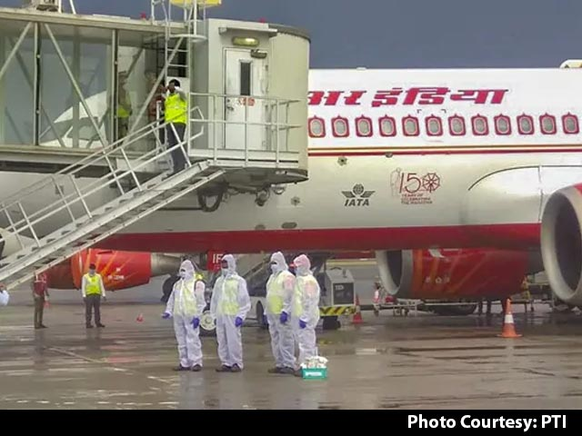 """Video : Pay Cuts Can Trigger """"Desperate, Extreme Acts"""", Say Air India Pilots"""