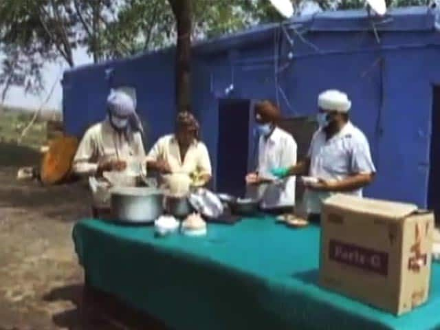 Video : A Corona Warrior Feeds 2 Million People On A Maharashtra Highway