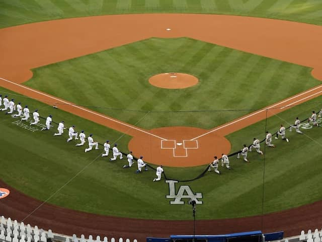 MLB Players Take Knee As US Baseball Season Opens