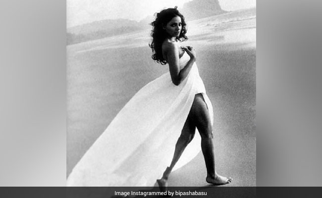 The Internet Is Smitten By Bipasha Basu's Throwback Pic. See Her Post