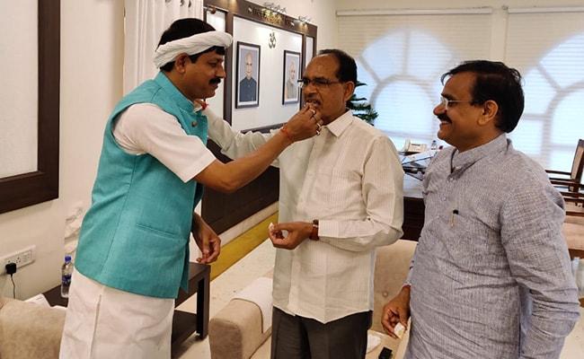Madhya Pradesh Congress MLA Joins BJP, 6 Others May Follow: Sources