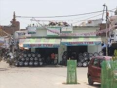 दिल्ली: दंगाइयों का 'निशाना' बने गोकुलपुरी इलाके के टायर-ऑटो पार्ट्स मार्केट में फिर लौटी रौनक..