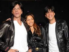 And... The Best Caption Award Goes To Gauri For This Pic Of Shah Rukh Khan(s)