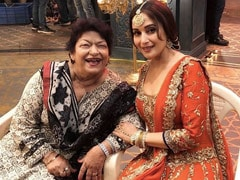 """Saroj Khan, Will Always Be Grateful"": Madhuri Dixit's Tribute To Her ""Friend And Guru"""