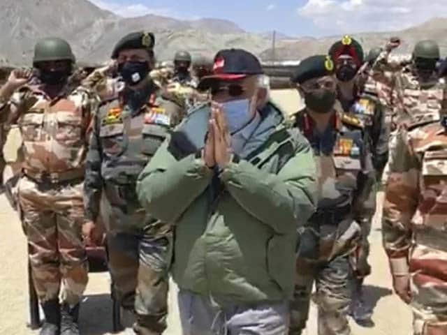 "Video : Watch: Soldiers Chant ""Vande Mataram"" As PM Visits Ladakh Post"