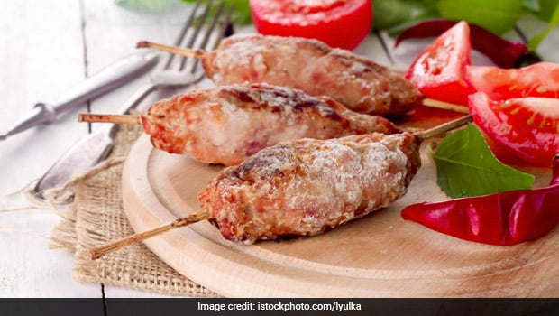 Indian Cooking Tips: How To Make Restaurant-Style Chicken Malai Seekh Kebab At Home