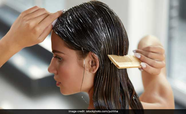 Home Remedies: Easy And Effective 4 Natural Ways To Reduce White Hair!