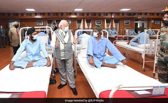 PM Narendra Modi In Leh Visits Injured Soldiers In Ladakh, Praises ...