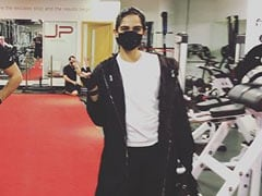 "Sonam Kapoor Goes ""Straight Into The Gym"" After Completing 14-Day Quarantine In London"