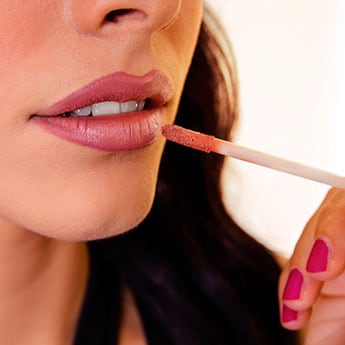 Makeup Tips: How To Apply Liquid Lipstick The Right Way To Look Great And Last All Day