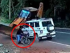 Viral: A Car Crash That Saved A Biker's Life - Summed Up In Anand Mahindra's Tweet