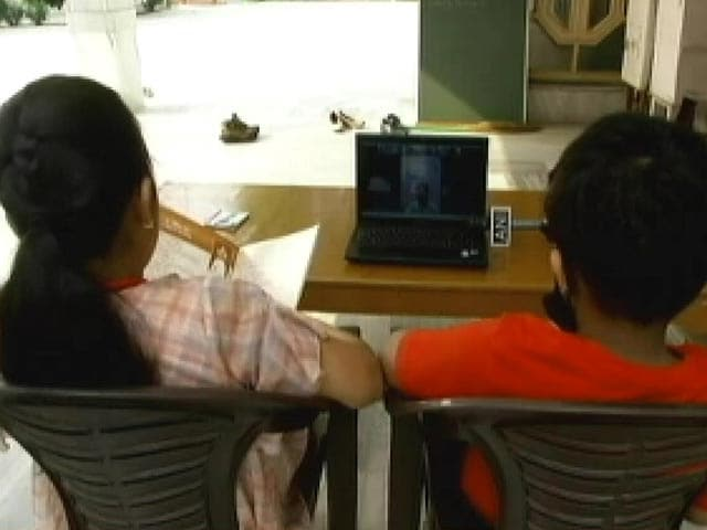 Video : HRD Ministry Announces Guidelines for Online Classes