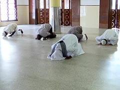 केरल की मस्जिदों में सोशल डिस्टेंसिंग के साथ पढ़ी गई बकरीद की नमाज, देखें VIDEO