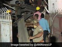 नोएडा में बिल्डिंग गिरने से बड़ा हादसा, अभी तक 4 लोगों को बचाया गया, NDRF की टीम मौके पर