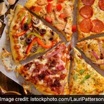 Pizza Over <i>Paisa</i>? Man Caught On Video Making Pizza While Robbing Local Restaurant