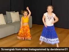 David Warner's Daughters Dance To Akshay Kumar's Hit Song. Watch