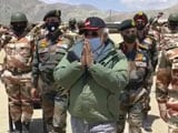 "Video : Watch: Soldiers Chant ""Vande Mataram"" As PM Visits Ladakh Post"