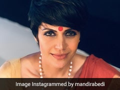 In A Red <i>Bindi</i> And <i>Saree</i>, Mandira Bedi's Ethnic Look Is On Point