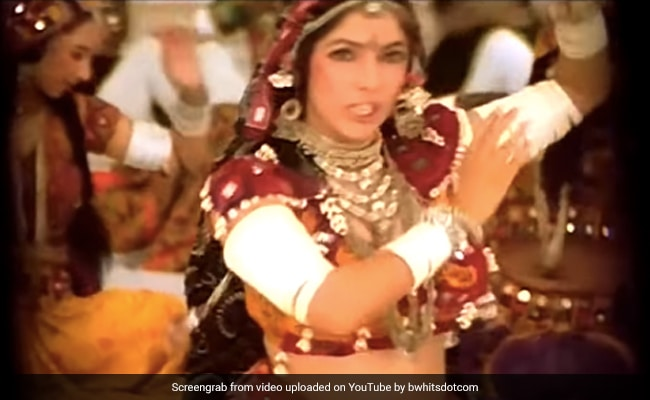Neena Gupta Shares How Saroj Khan Made Choli Ke Peeche Moves Easier For Her
