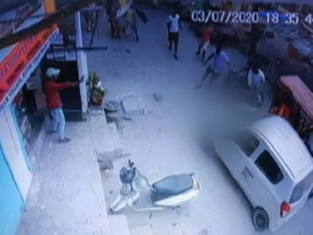 Video : Delhi Man Hits Woman With Car. Runs Her Over While Trying To Escape