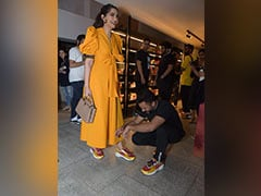 Sonam Kapoor Wants Anand Ahuja To Pick Between Her And Sneakers, His Reply Awaited