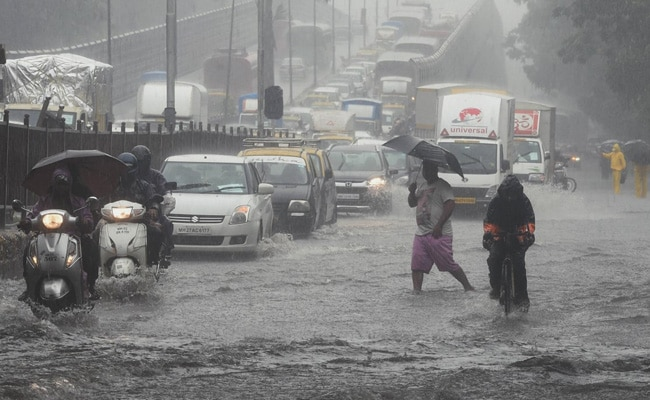 Heavy Rain Predicted In Mumbai Today, Weather Office Issues Red Alert