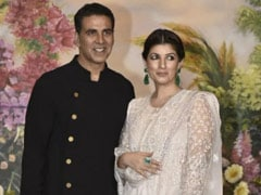 "What Happened When Akshay Kumar ""Robbed"" Twinkle Khanna Of Her Floral Mask"